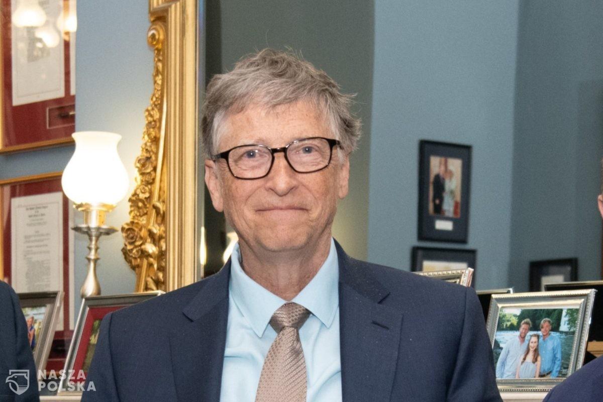 Bill Gates twierdzi, że potrzeba aż 14 miliardów dawek szczepionki na koronawirusa, aby powstrzymać wirusa