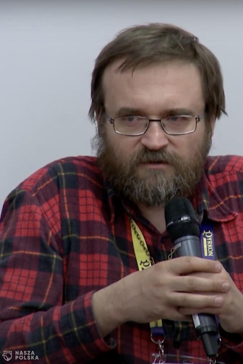 """Andrzej Pilipiuk: Agresywność """"tęczy"""" i uległość świata"""