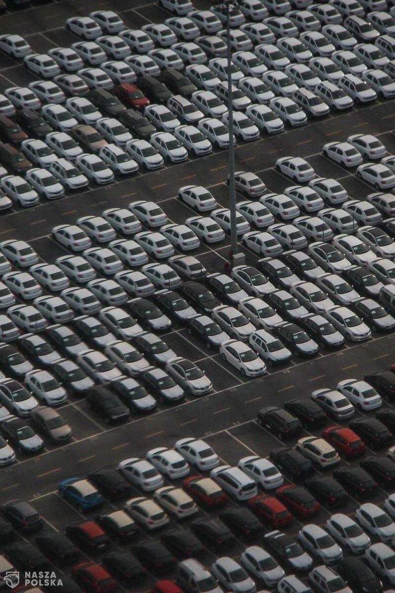 Od 2035 r. w Kalifornii zakaz sprzedaży nowych samochodów na benzynę
