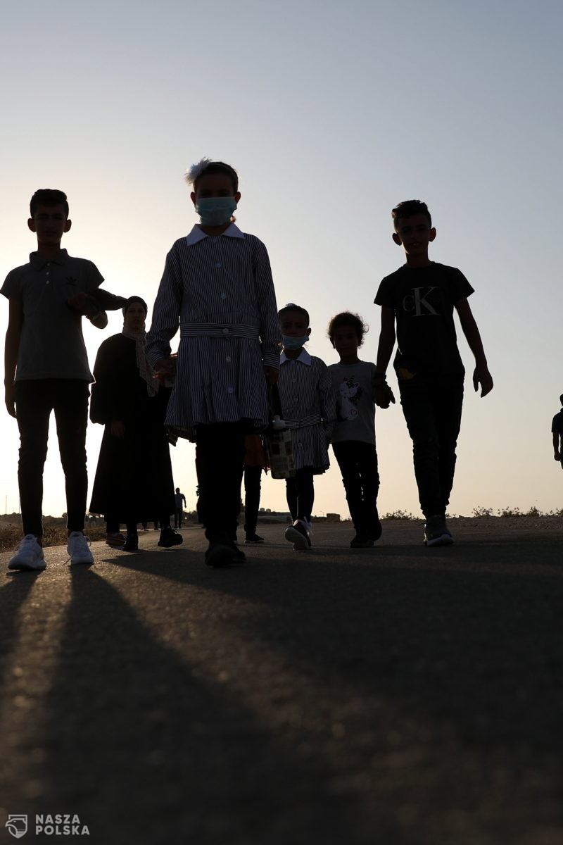 """W. Brytania/ Nowe wytyczne: """"Nie"""" dla edukatorów sugerujących dzieciom niezgodność z płcią biologiczną"""