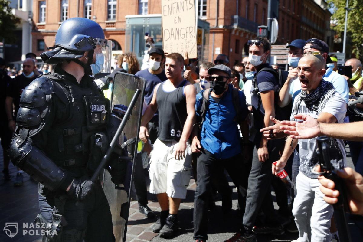 """[DUŻO ZDJĘĆ] Protesty """"żółtych kamizelek"""""""