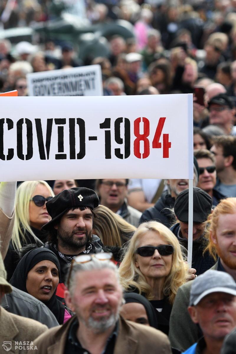 W Londynie aresztowano 155 osób podczas protestów przeciwników restrykcji