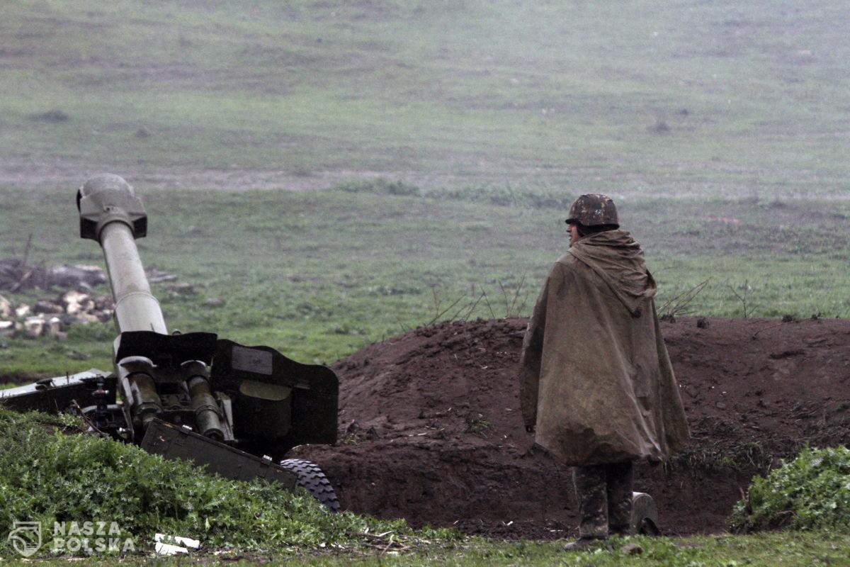 Stan wojenny w Armenii. Górny Karabach znów płonie