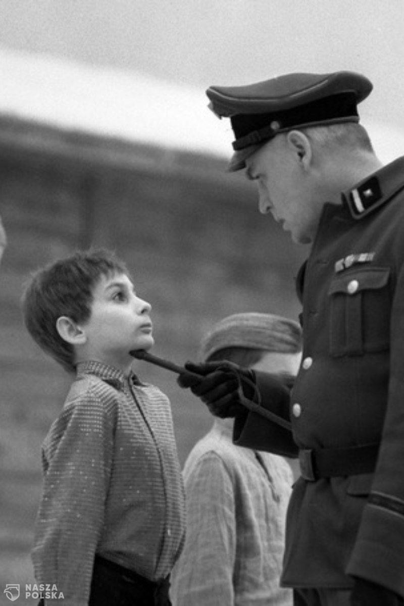 Facebook odblokował film o hitlerowskim obozie dla polskich dzieci w Łodzi
