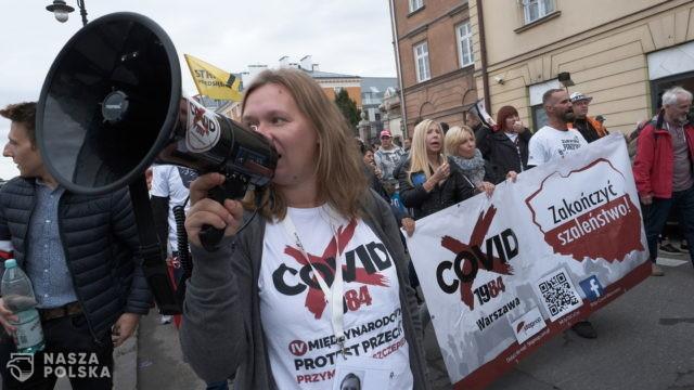 Policja: ponad 220 wniosków do sądu i 25 mandatów dla uczestników demonstracji antycovidowej w Warszawie