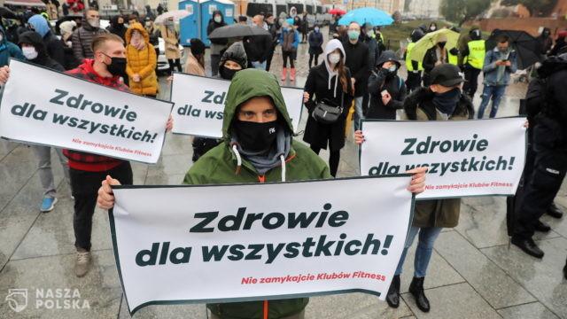 [ZOBACZ ZDJĘCIA!] Branża fitness protestuje w Warszawie