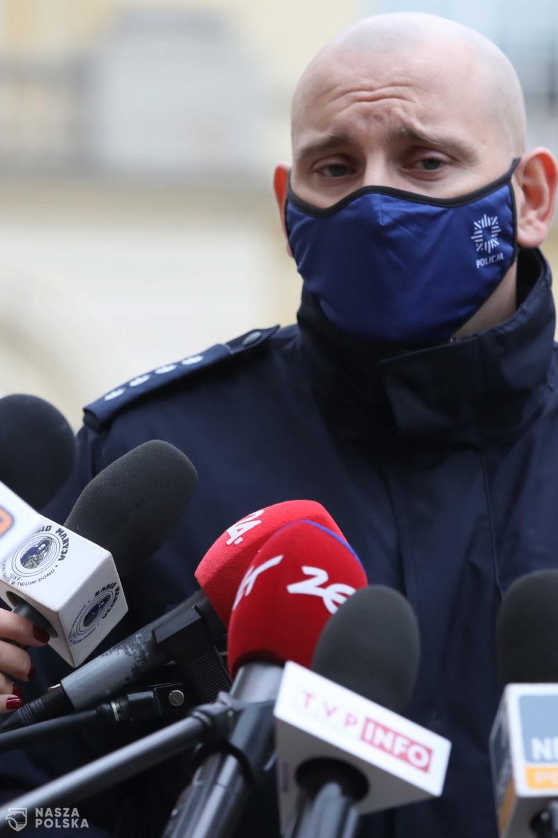 15 osób zatrzymanych po nocnych protestach przeciwko wyrokowi TK