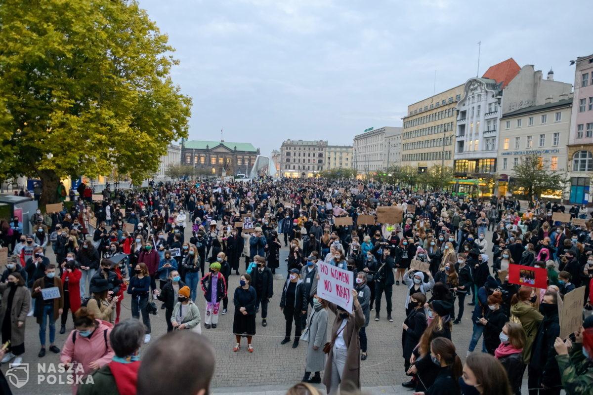 Trwają protesty przeciwko zaostrzeniu przepisów dotyczących aborcji