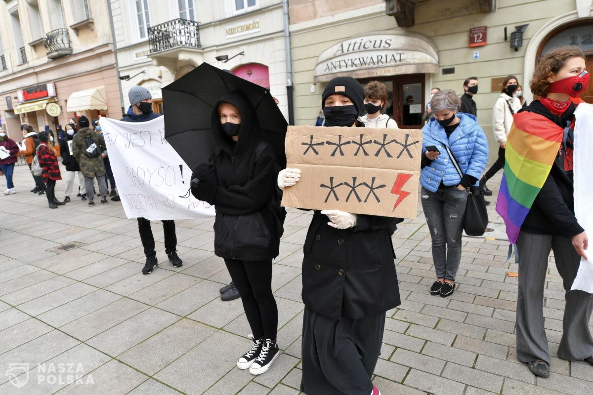 Ziobro o protestujących: język marginesu społecznego