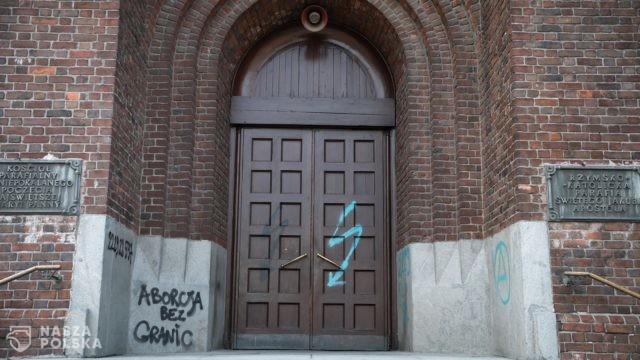 Młodzi pisowcy będą bronić kościołów
