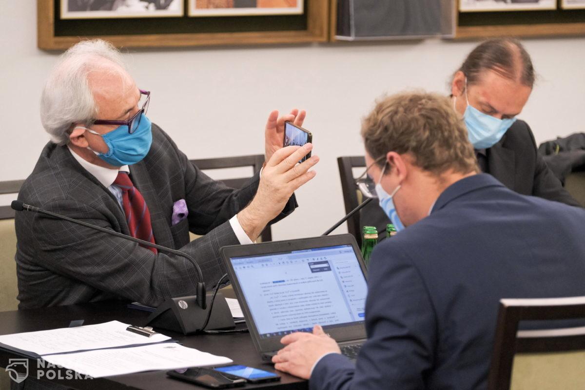 Senacka komisja zdrowia jednomyślnie poparła tzw. ustawę covidową