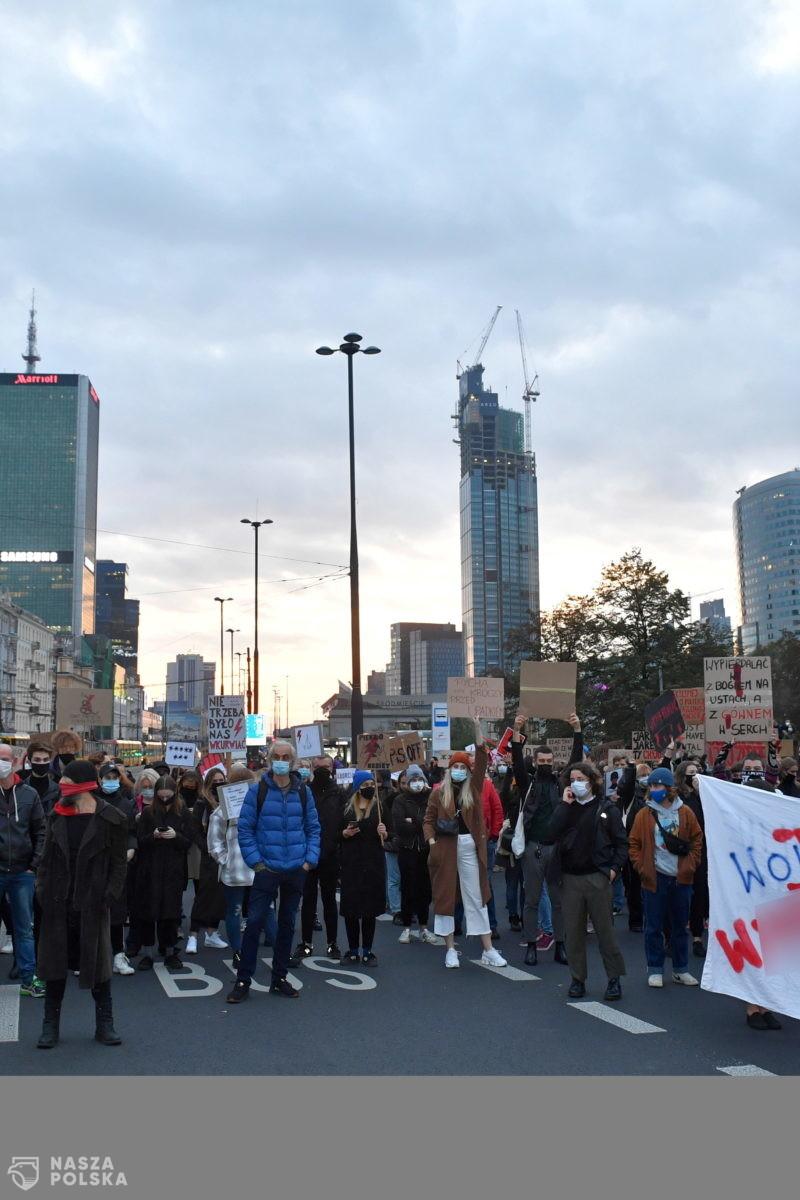 Protestujący zablokowali centrum Warszawy