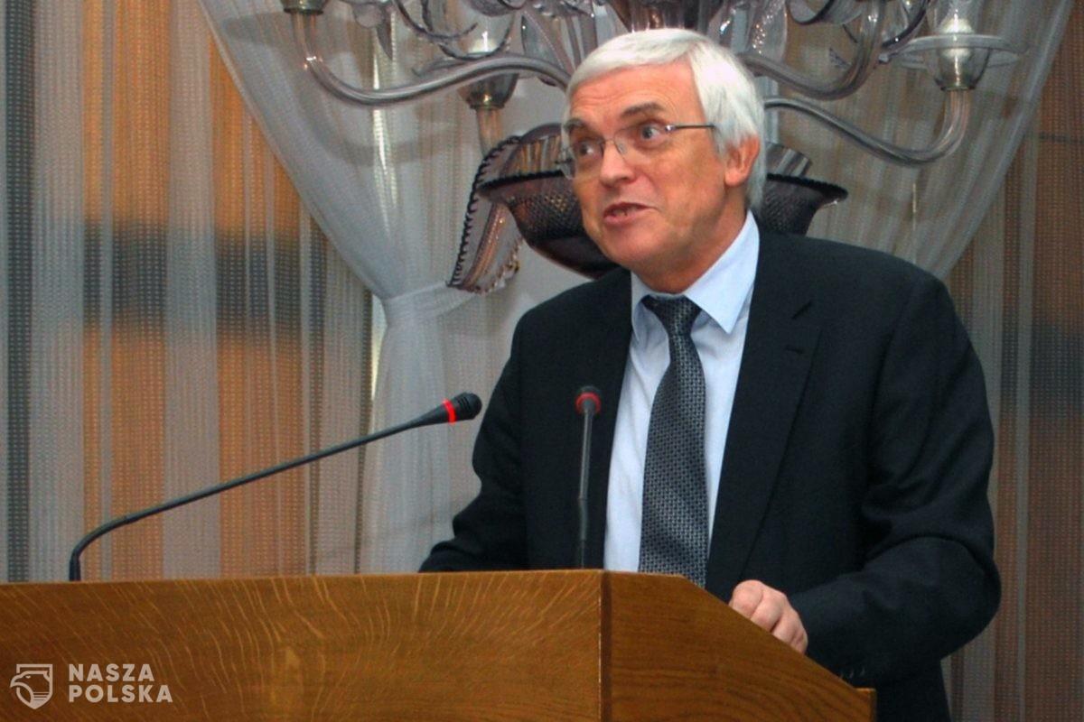 Prof. Niezgódka: można opracować uniwersalną instrukcję obsługi działań na wypadek epidemii