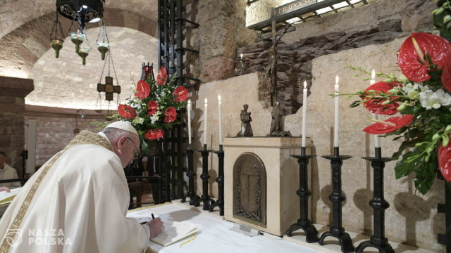 Encyklika Franciszka: w dobie pandemii potrzebna zdrowa polityka, która jednoczy