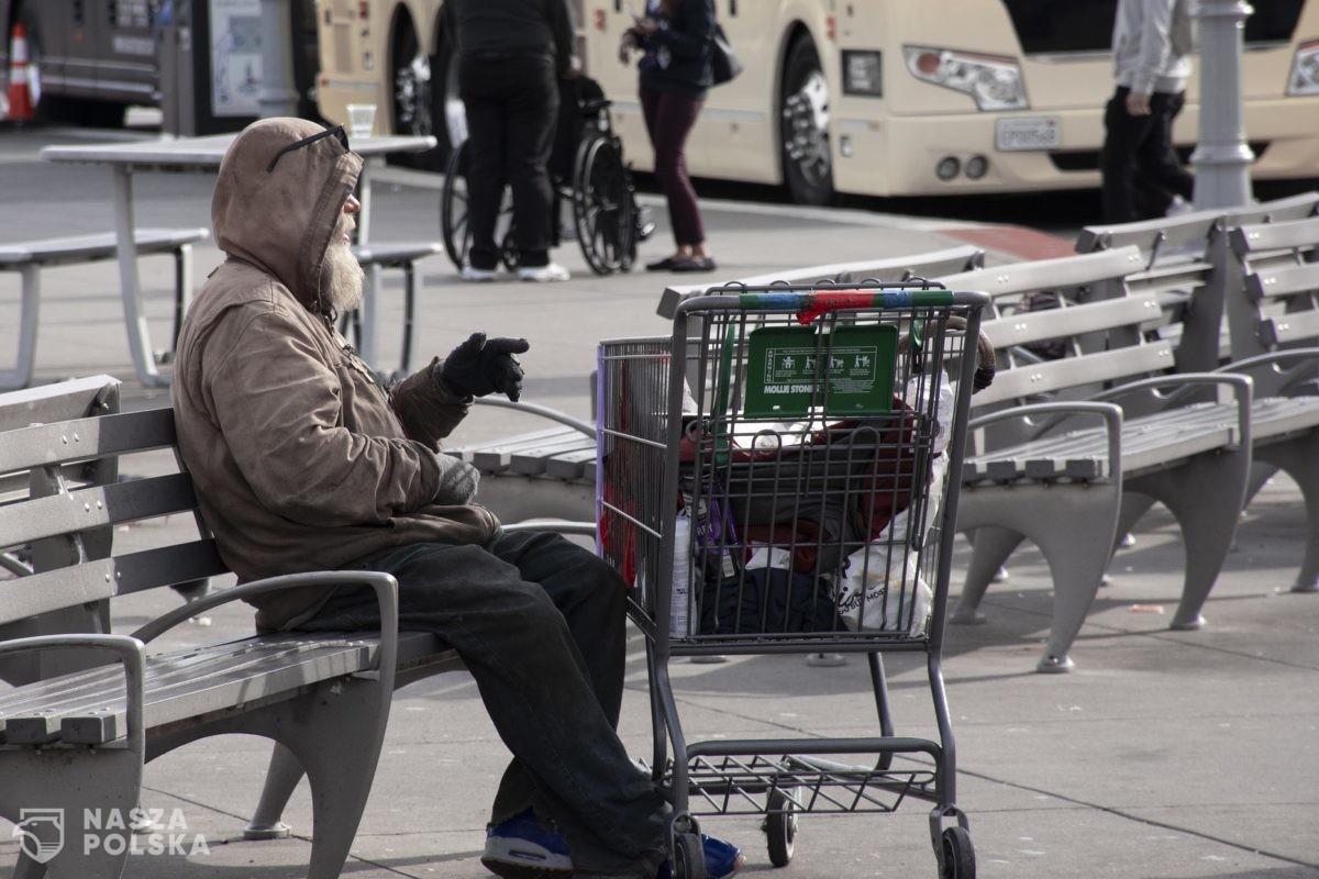 Ekspert: pandemia zwiększy ubóstwo na świecie, ofiarami ekonomicznymi – młodzi ludzie