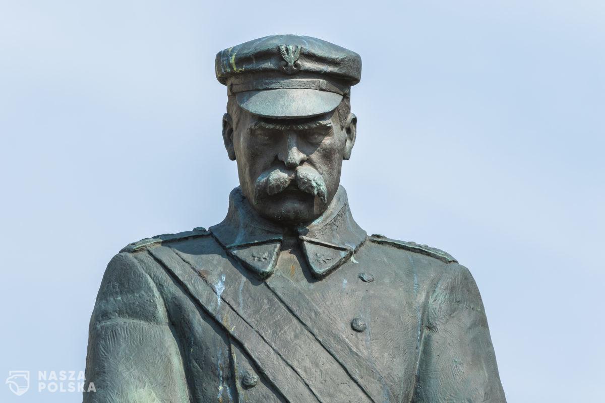 M. Gablankowski: Piłsudski nie wiedział dokładnie, w którą stronę ma podążać
