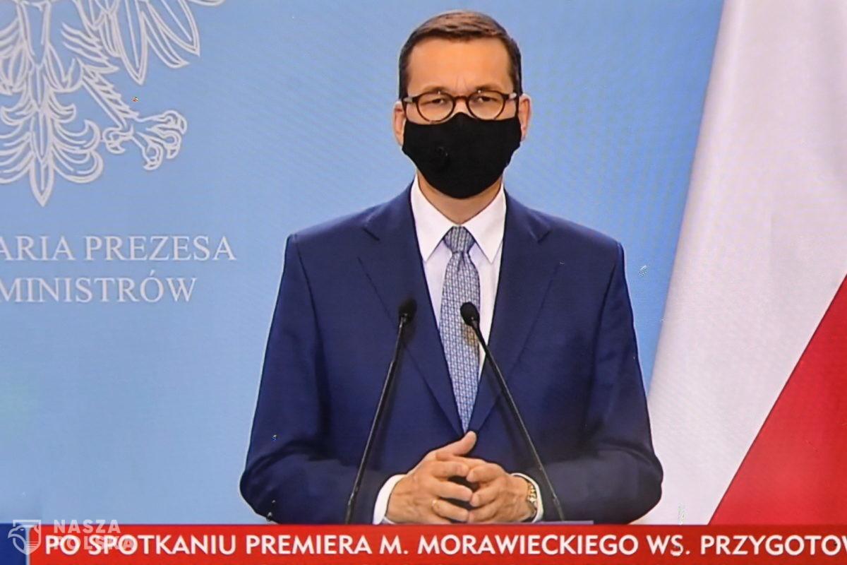 Premier: nie będziemy zmuszać do szczepień