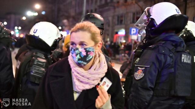 Policja: działania funkcjonariusza względem posłanki Nowackiej są wciąż wyjaśniane