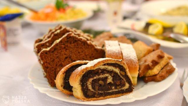 https://naszapolska.pl/wp-content/uploads/2020/11/christmas-cakes-1107927_1920-640x360.jpg