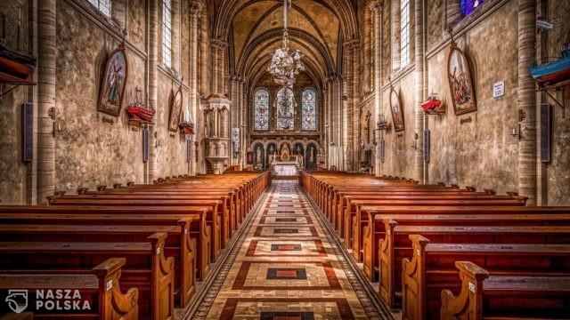 Od niedzieli większa liczba wiernych w kościołach