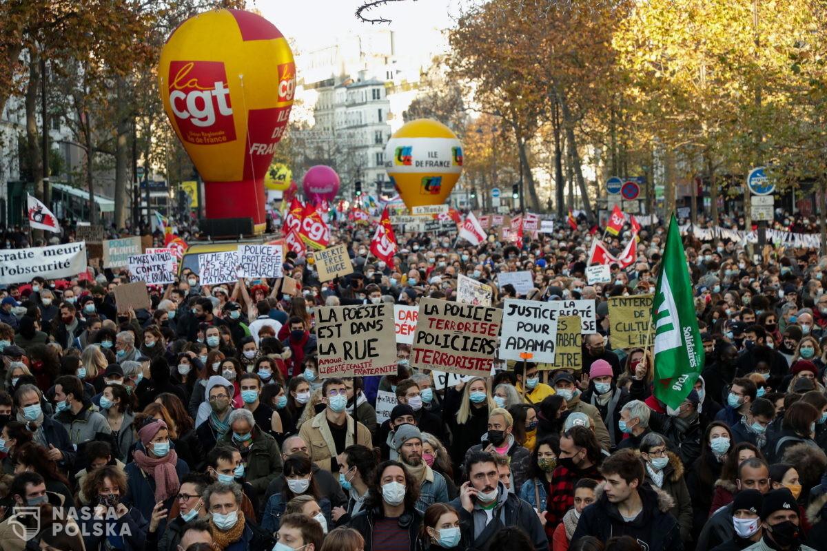 Tysiące Francuzów na ulicach domaga się wolności. Zamieszki z policją
