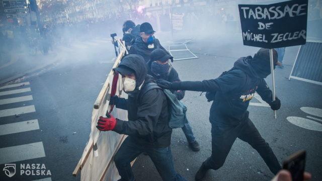 70 miast, setki tysięcy manifestantów, starcia z policją. Tak protestują Francuzi