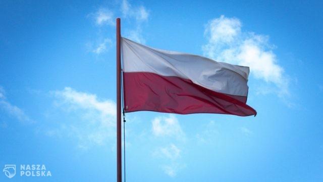 Akcja Katolicka w Polsce apeluje o wywieszenie flagi narodowej w 1055. rocznicę chrztu Polski