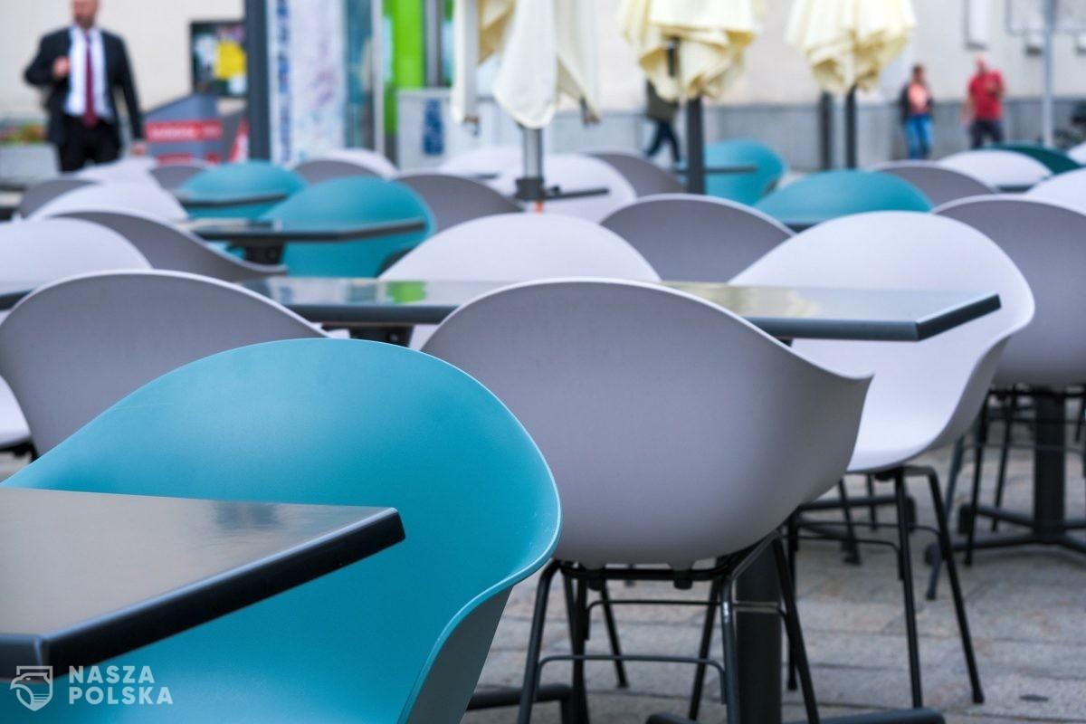 Restauracje będą zamknięte do maja, kiedy zostaną zaszczepieni seniorzy?
