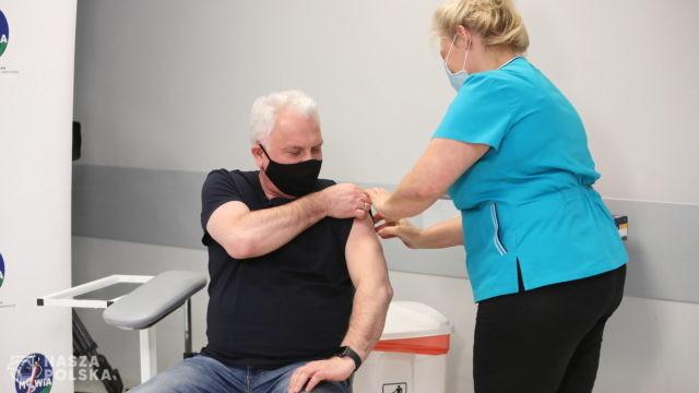 Wprowadzenie restrykcji przy czwartej fali będzie zależeć od liczby zaszczepionych