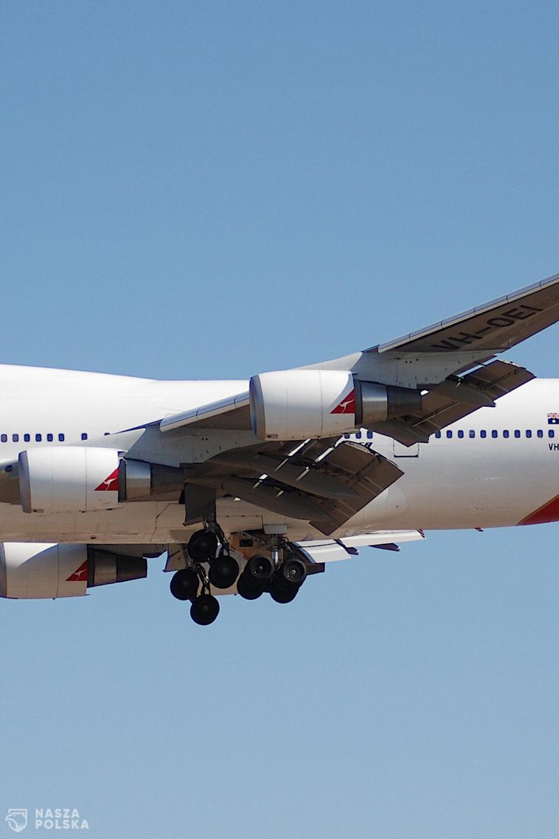 Bez szczepionki na koronawirusa linia lotnicza Qantas nie pozwoli latać