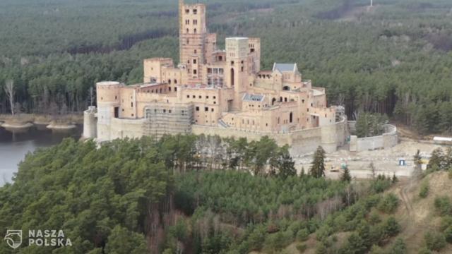 Wojewoda stracił stołek za zamek w Stobnicy