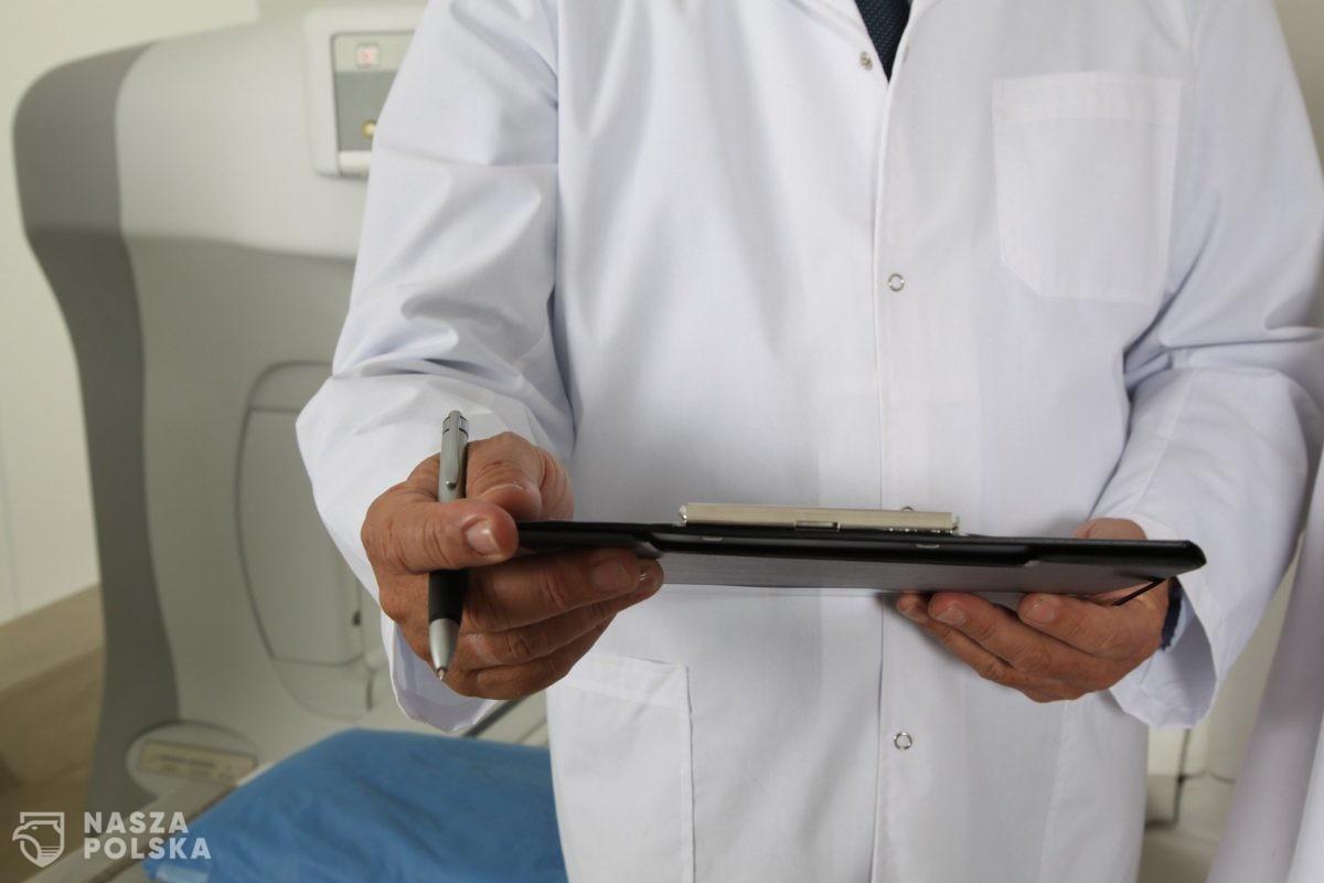 Lekarze domagają się podwyżek. Minimalnie 6769 zł brutto miesięcznie to dla nich za mało