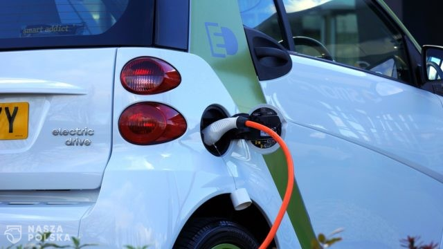 https://naszapolska.pl/wp-content/uploads/2020/12/electric-car-1458836_1920-640x360.jpg