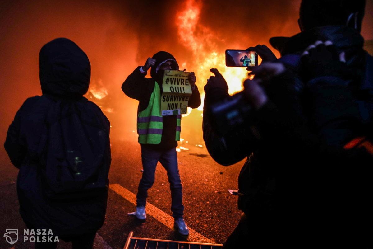 """We Francji starcia z policją podczas marszu przeciw ustawie o """"globalnym bezpieczeństwie"""""""