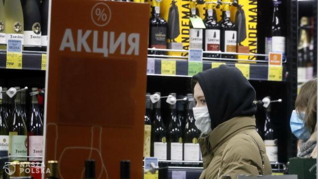 Rosji grozi klęska szczepień na koronawirusa? Nie można pić alkoholu dwa miesiące przed i po szczepieniu