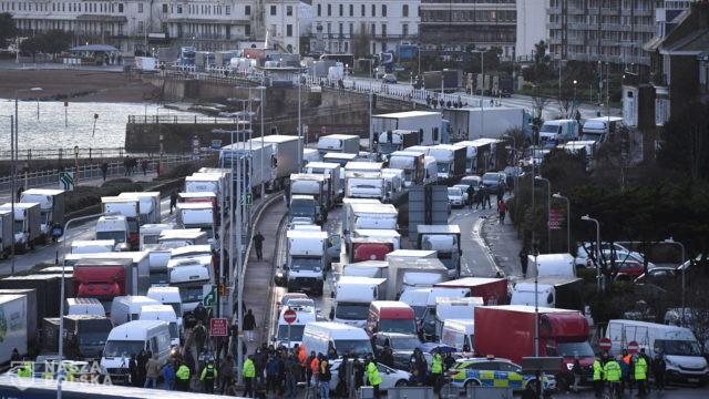 Polscy kierowcy zamiast z rodzinami święta spędzą w ciężarówkach