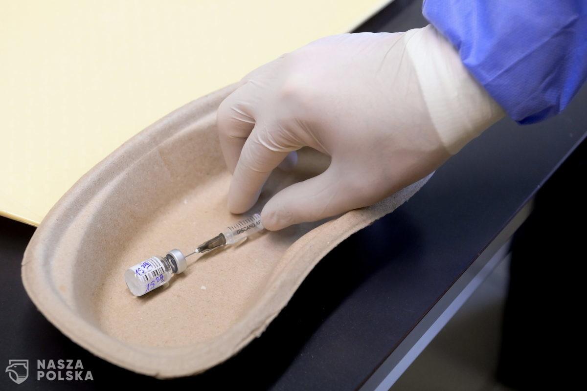 Parlamentarny Zespół ds. Transplantacji pozytywnie o doszczepianiu trzecią dawką pacjentów po przeszczepach