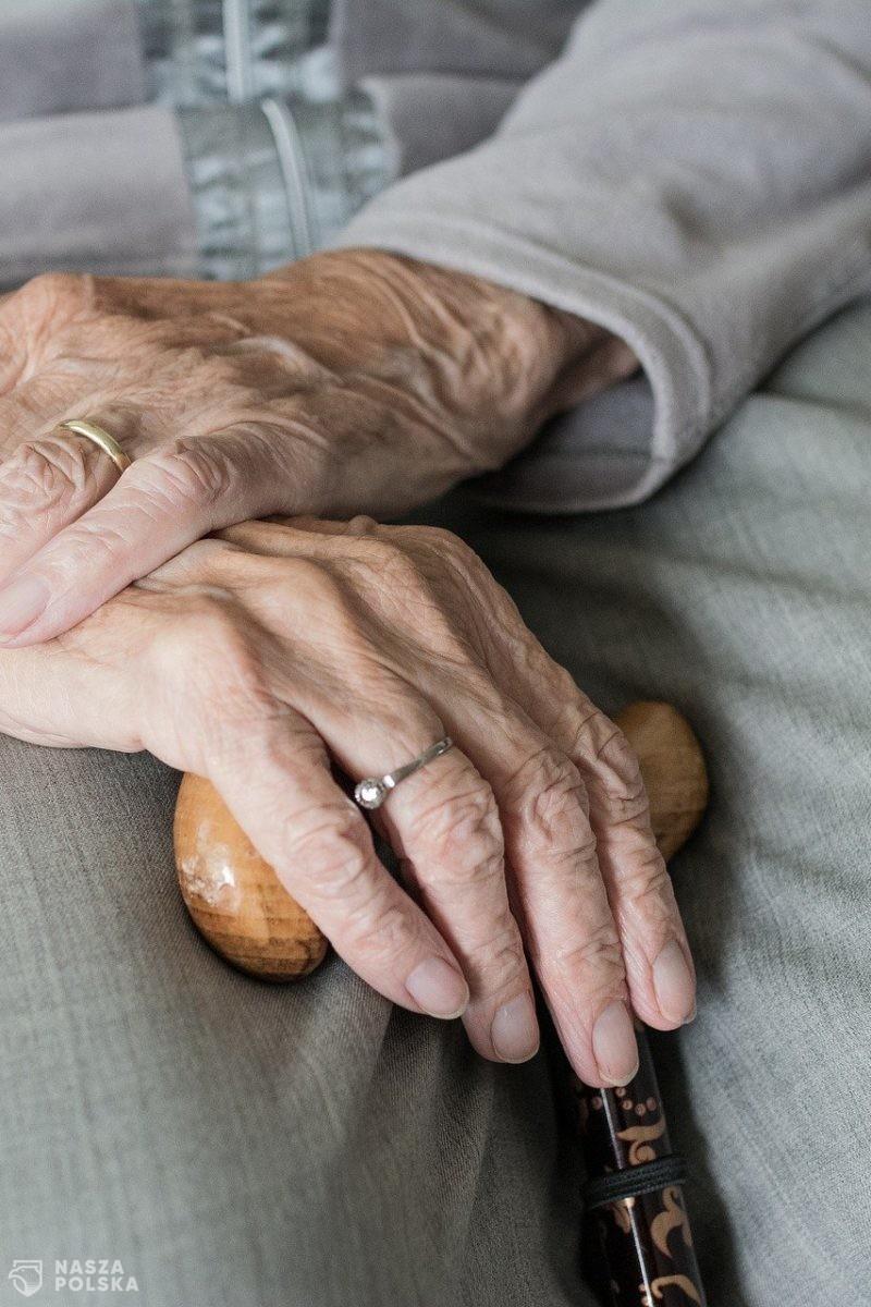 Rada Medyczna: rozszerzyliśmy grupę, która może przyjąć trzecią dawkę, do wszystkich powyżej 50 lat