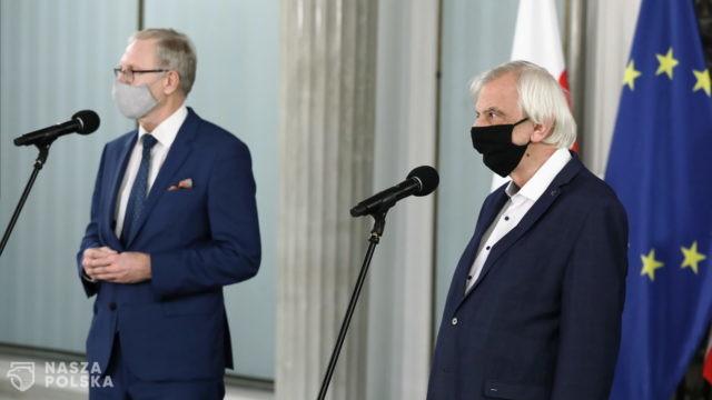 Rozpoczęło się spotkanie premiera Morawieckiego z klubami parlamentarnymi ws. programu szczepień