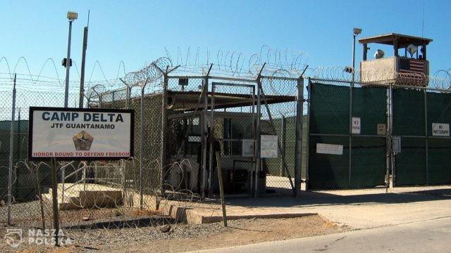 Pentagon wstrzymuje szczepienia więźniów Guantanamo