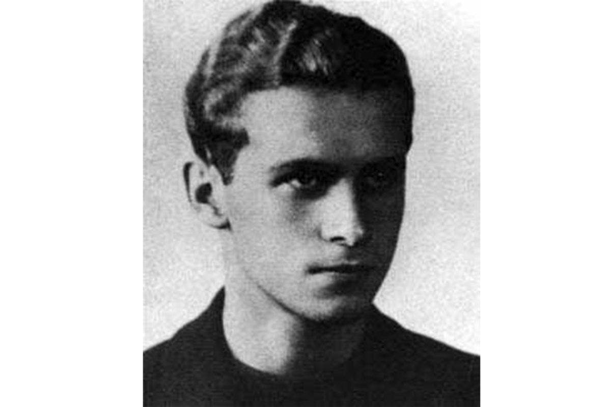 Sto lat temu urodził się Krzysztof Kamil Baczyński. Brylant, którym strzelaliśmy do wroga