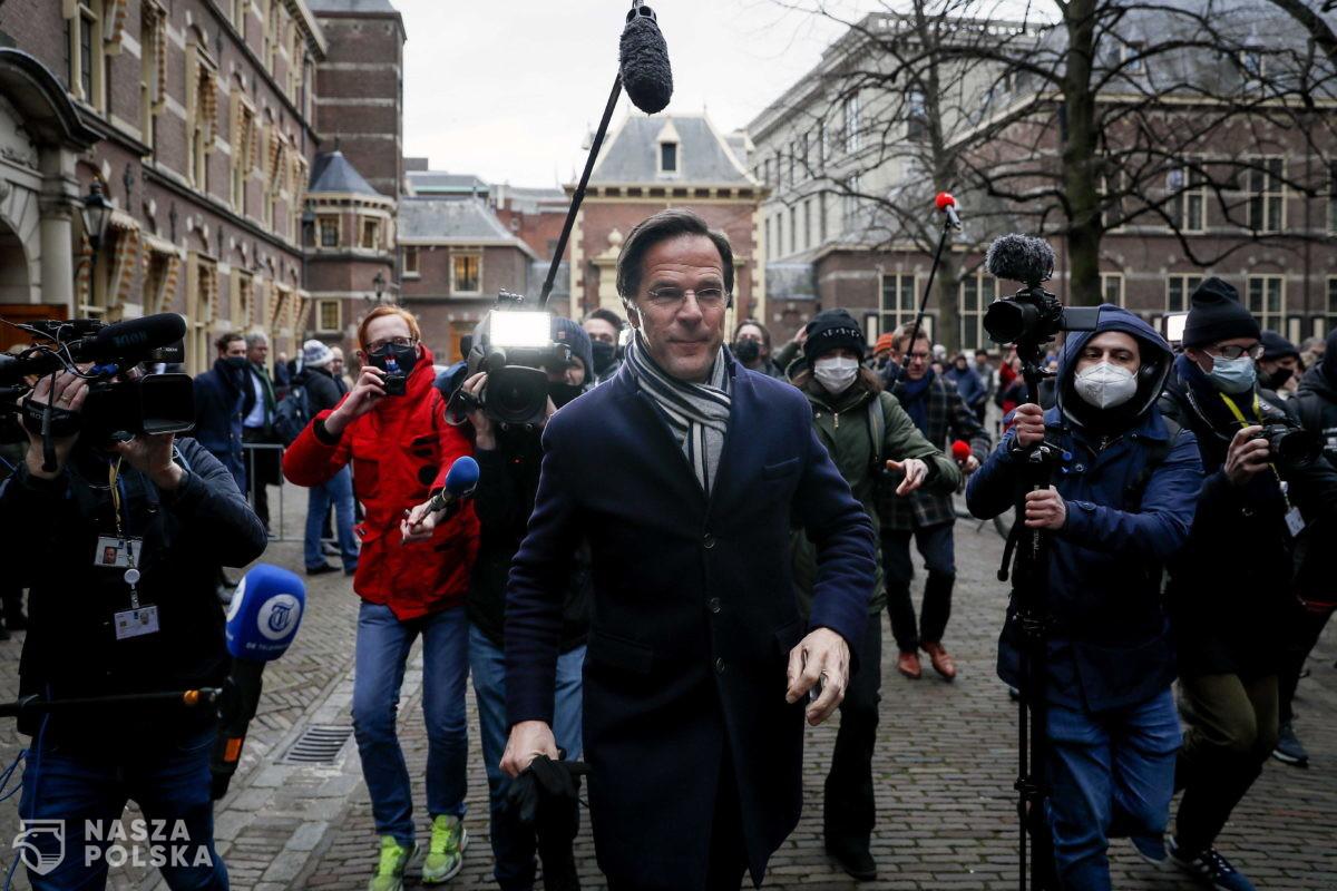 Rząd holenderski podał się do dymisji