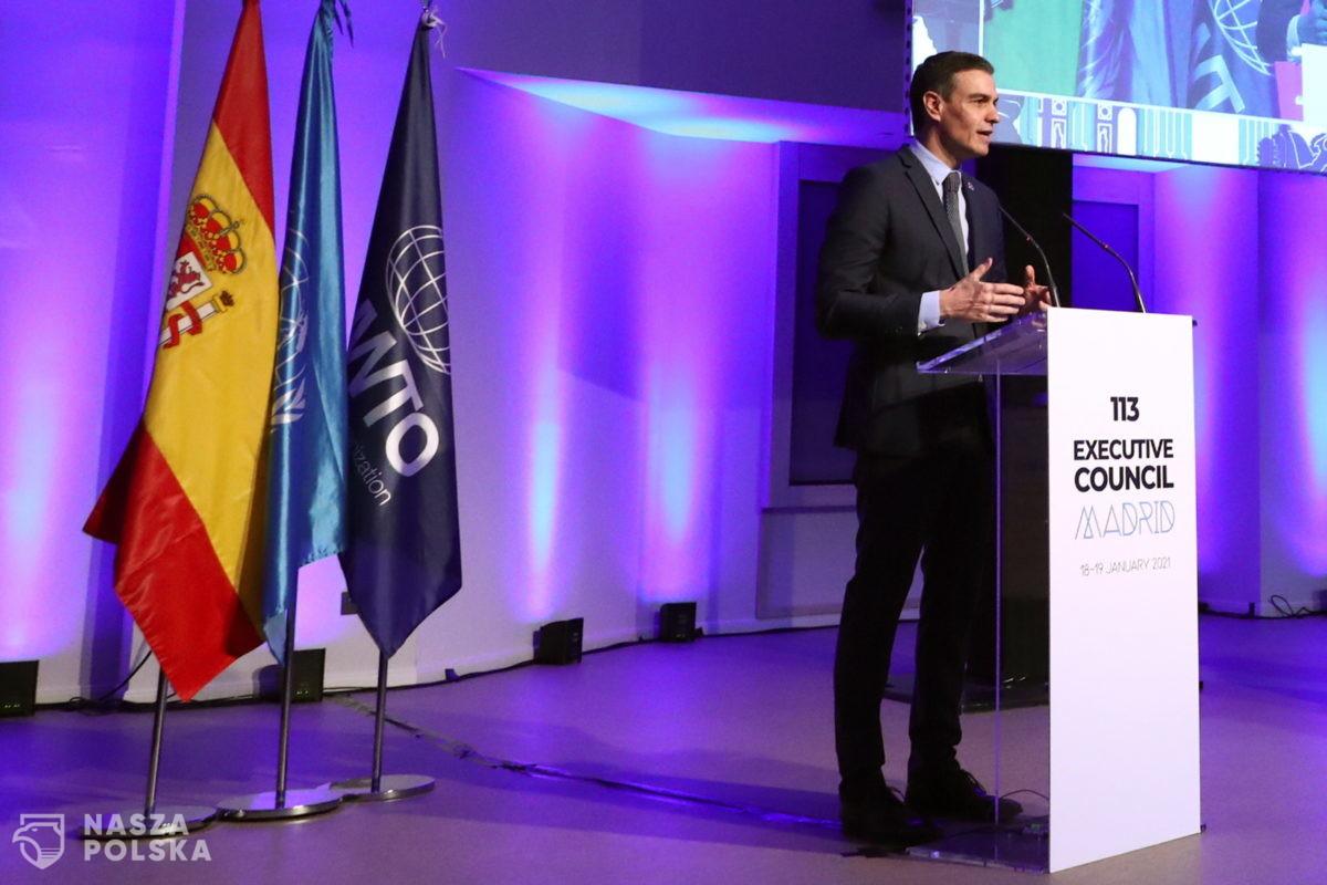 Hiszpania/ Rząd opowiada się za unijnymi paszportami dla zaszczepionych na Covid-19