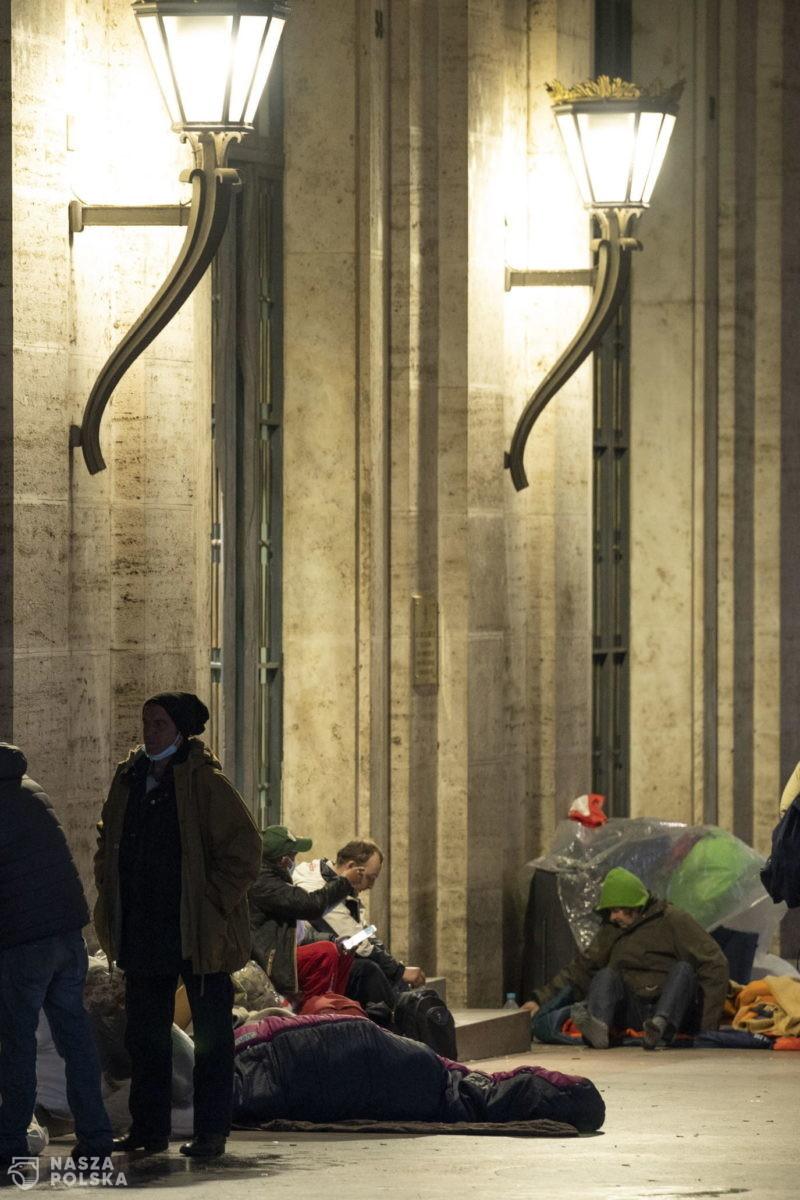 Watykan szczepi bezdomnych