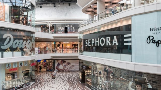 https://naszapolska.pl/wp-content/uploads/2021/01/shopping-mall-906721_1920-640x360.jpg