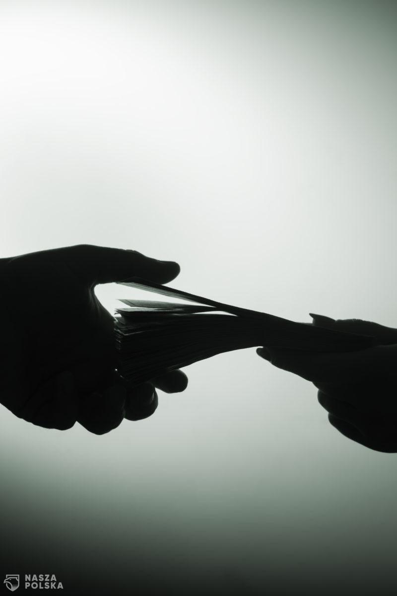 Sędzia z Przemyśla oskarżony o przyjęcie 100 tys. łapówki