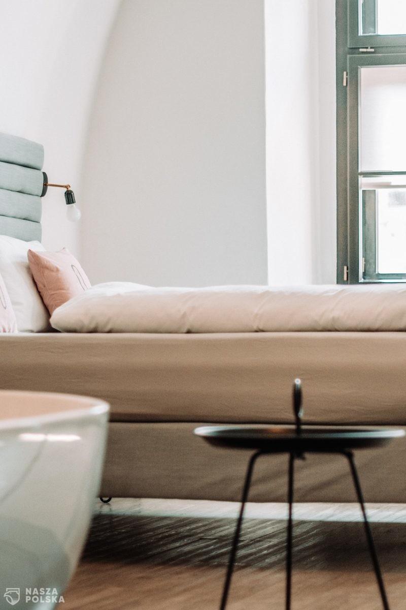 Hotelarze: to dramatyczna sytuacja skłania przedsiębiorców do wznowienia działalności