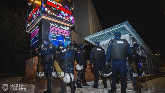 Czy sanepid wraz z policją łamie prawo?