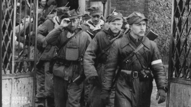 Hajnówka/ Próby zablokowania marszu w Narodowy Dzień Pamięci Żołnierzy Wyklętych