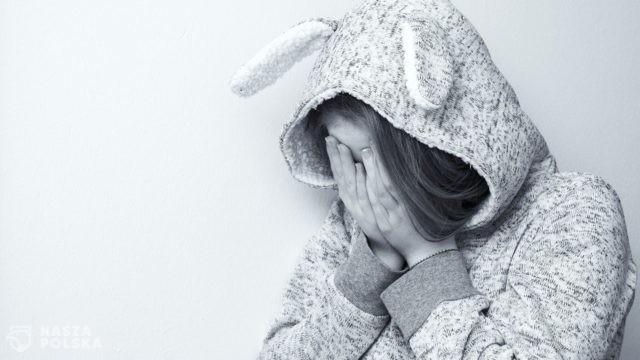 Nastoletnia depresja. Życie w trybie online/offline. Nie pozwól dziecku wylogować się z życia